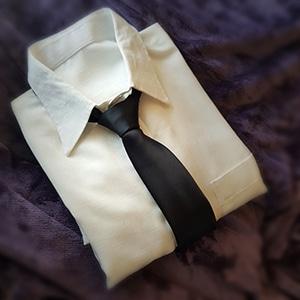 Evighetens Vila begravningsbyrå skjorta slips